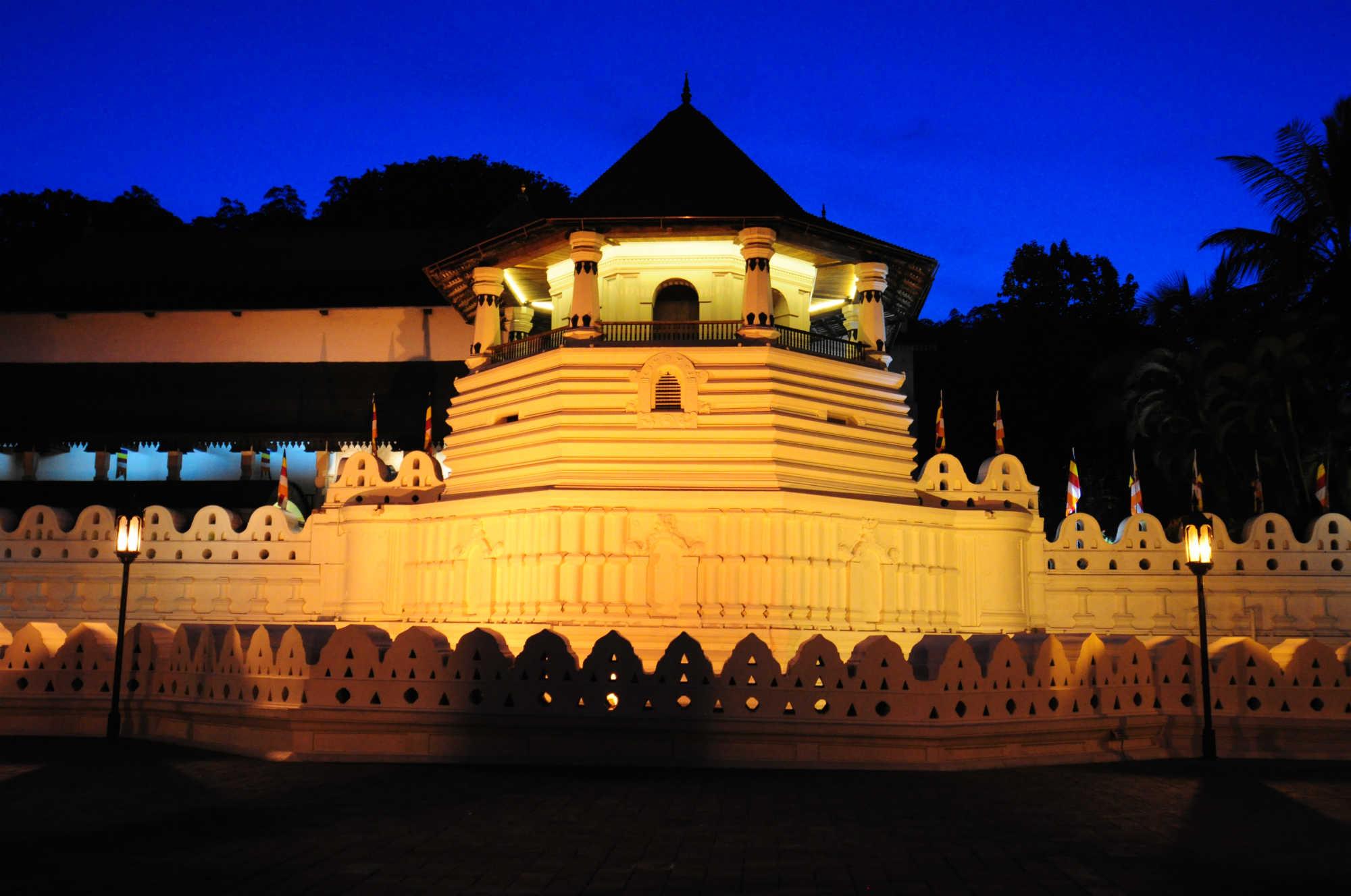 仏歯寺画像